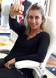 Cette image représente le portrait de Pascale Ewangélista PE4A assistante administrative